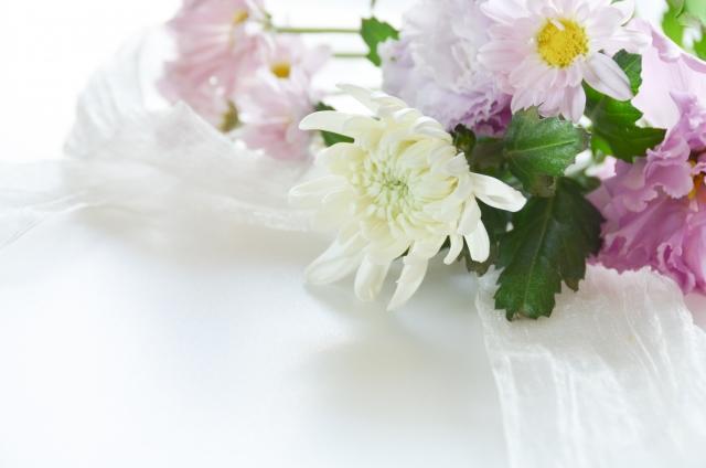 仏壇に造花を供えてもいいの?供える花のマナーを解説!