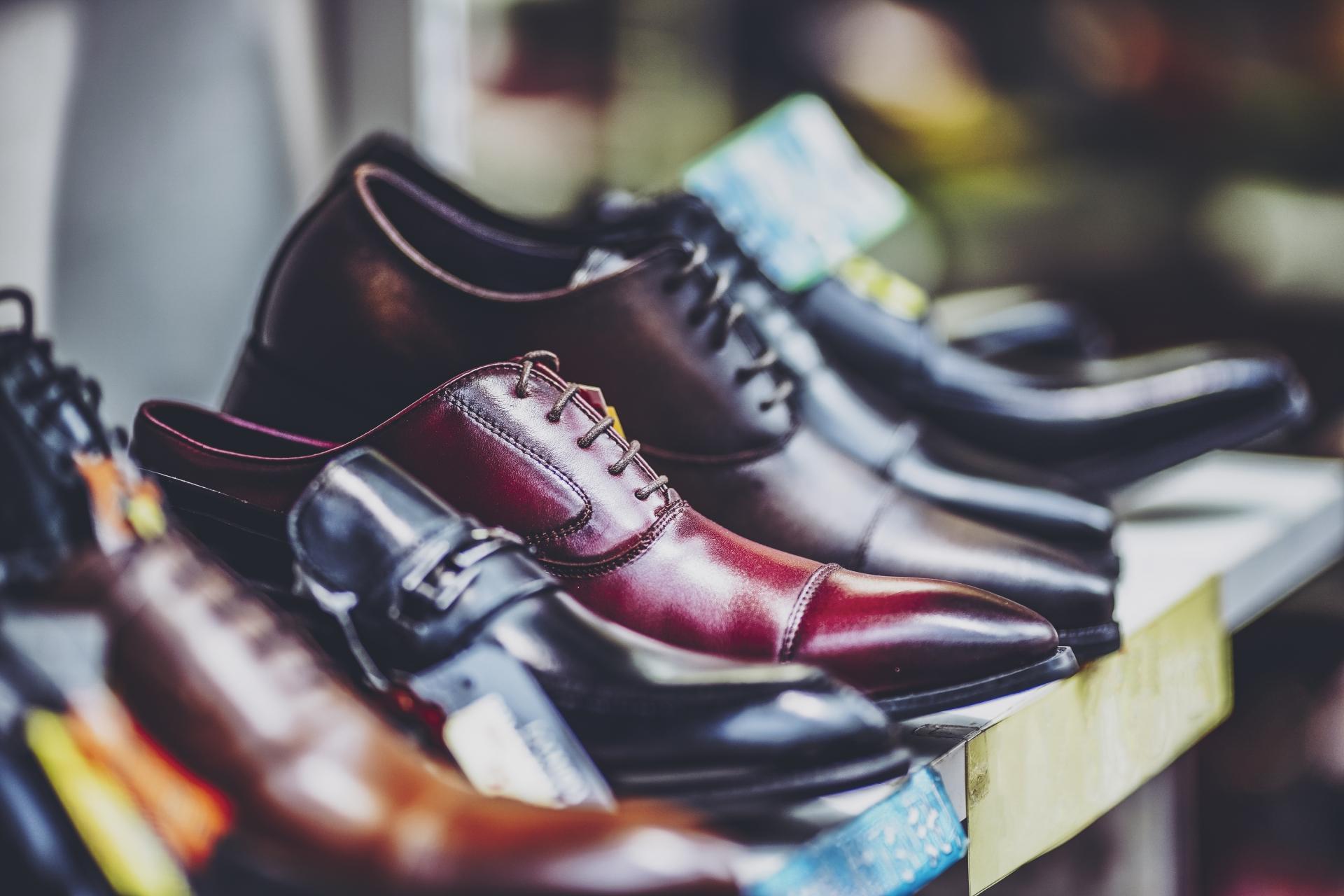 【葬儀 靴】葬儀でどんな靴を履けばいいの!?相応しい靴と避けたい靴