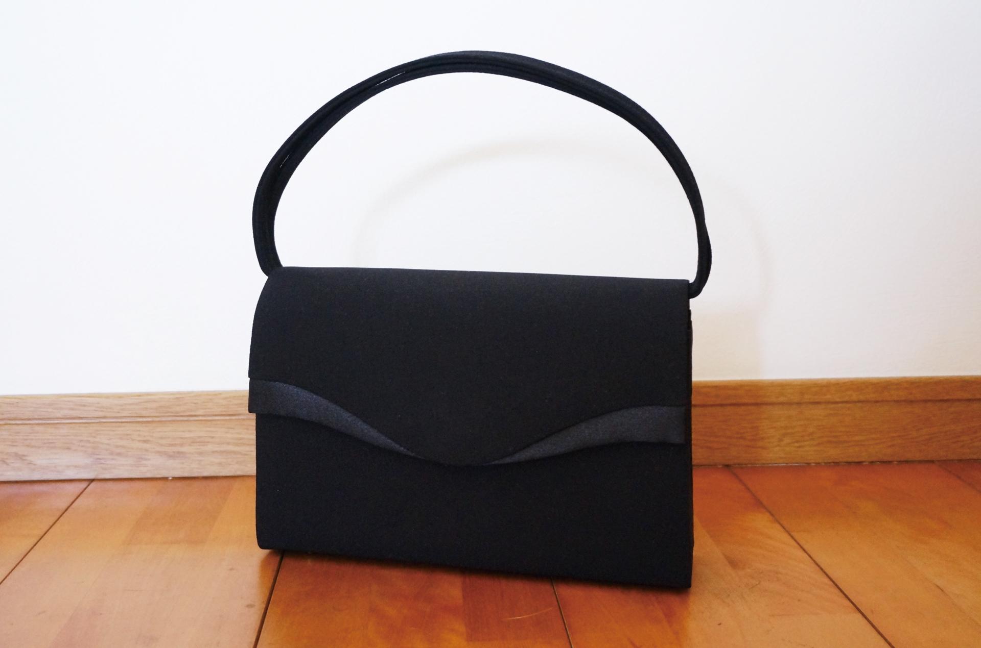 【葬儀 鞄】葬儀でどんな鞄で行けばいいの!?相応しい鞄と避けたい鞄